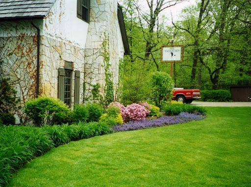 3 Signs Your Landscape Urgently Needs The Help Of A Residential Landscaping Company